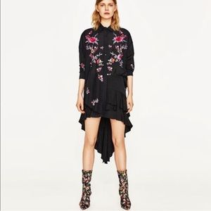 ZARA • NWT • oversized embroidered floral shirt